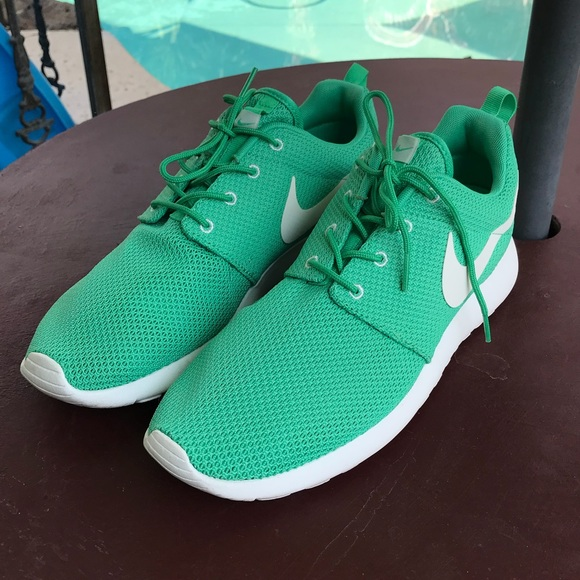 75649b77cc776 Nike Roshe Run Mint Green Size 10. M_5b65e562129955ca8de87cfd